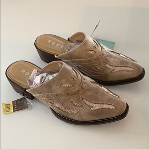 NWT Roper Tan faux leather western mules